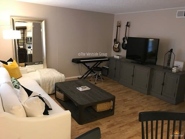 best value apartment near downtown with furniture