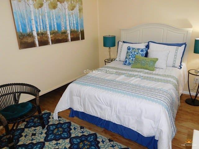 spacious bedroom in north campus austin