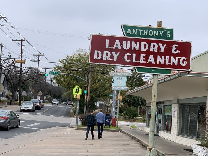 neighborhood laundry and dry cleaning in clarksville austin
