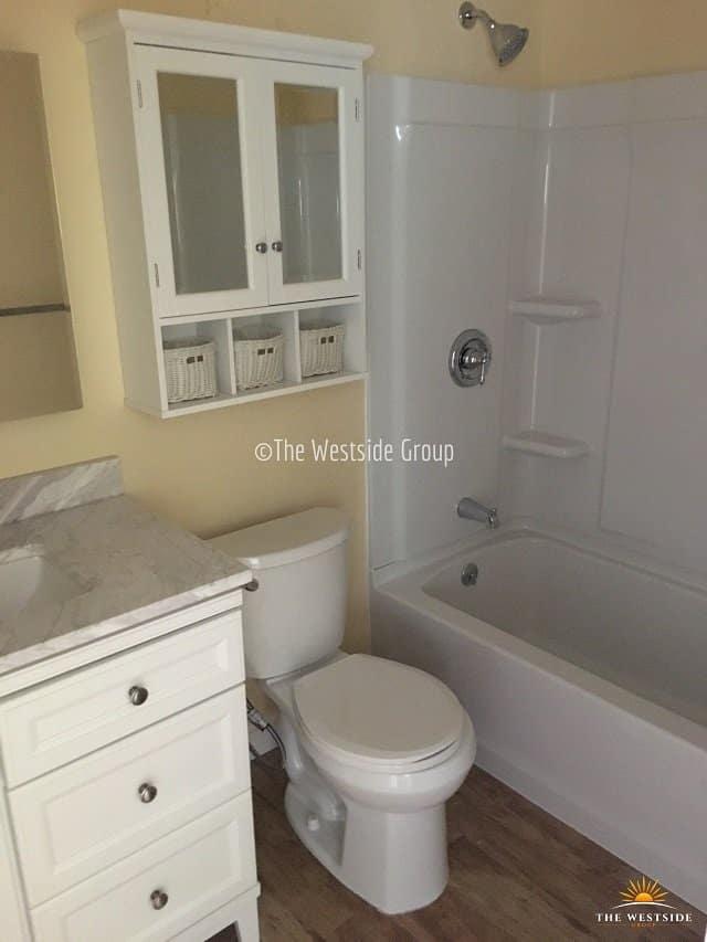 full bathroom units at Austin's North University